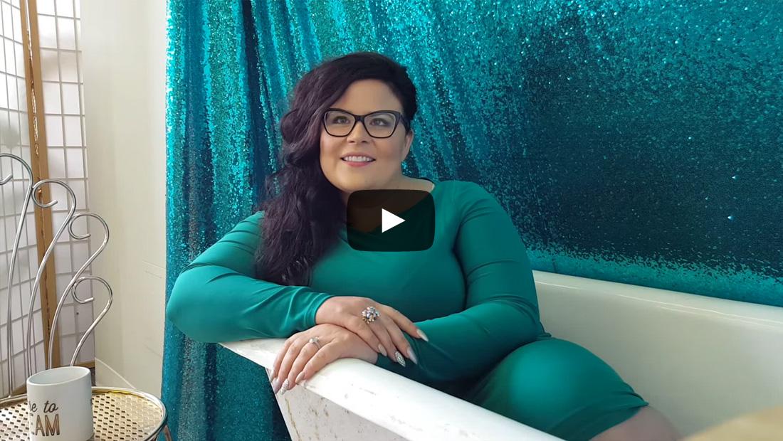 Winnipeg Website Designer and Brand Consultant Janelle Desrosiers